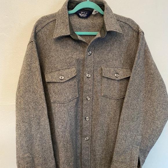Men's Woolrich wool shirt jacket button down XL